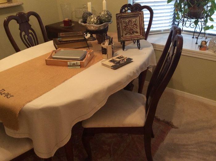 Mahogany Table & 4 matching chairs - home decor