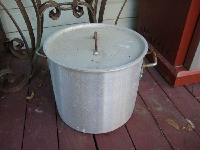 Large Pot with Strainer insider
