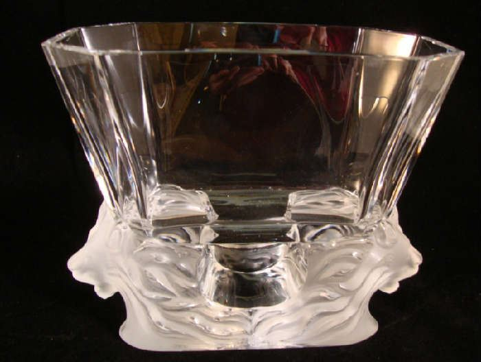 Lalique Venise double Lion Crystal Vase