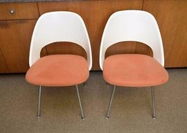 BUY IT NOW!  Lot #150, Set of 4 Early Eero Saarinen Chairs, $1,200