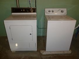 Awesome Speed Queen (commercial grade) washer & older Maytag elec. dryer