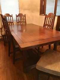 Nice vintage Farmhouse table & chairs