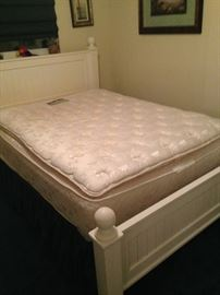 Queen size mattress set