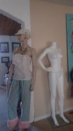 Very cool mid century mannequin! Also several other forms and display mannequins available.