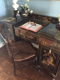 Beautiful black lacquered Asian desk