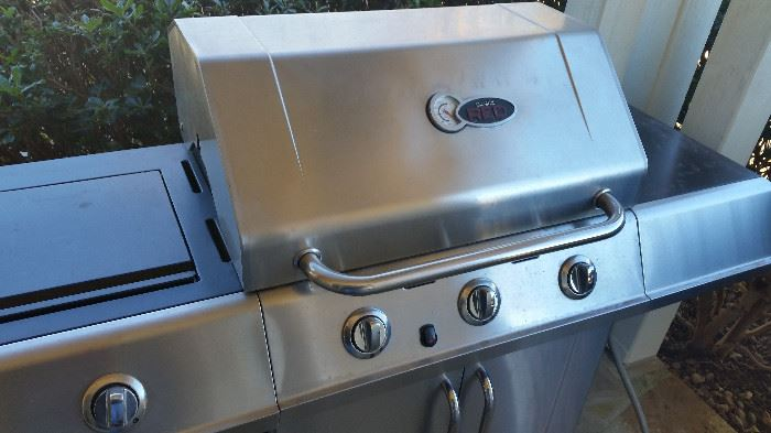 Like New Char Grill- Natural Gas