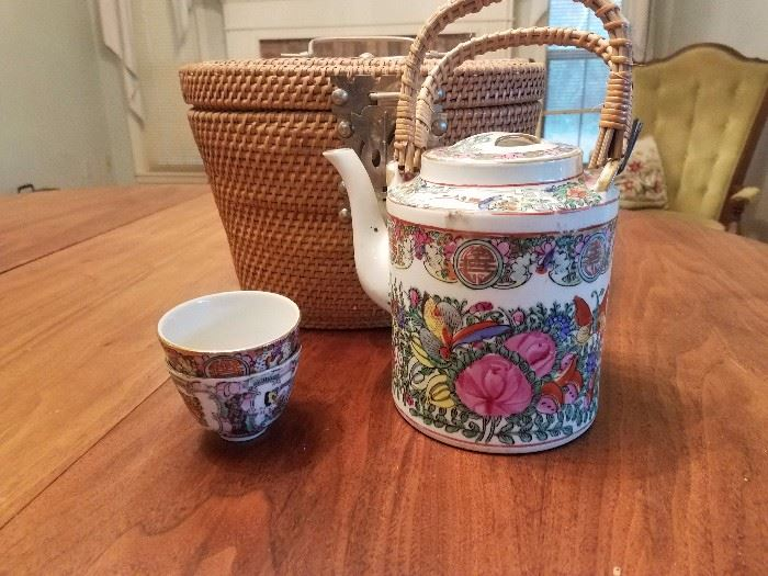rose medallion teapot, cups in a basket