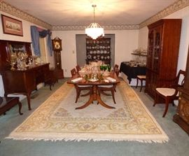 Mahogany Duncan Phyfe style dining table with 6 Lyre-back chairs
