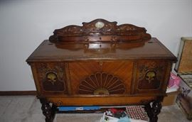 Stunning antique sideboard/chest with clock