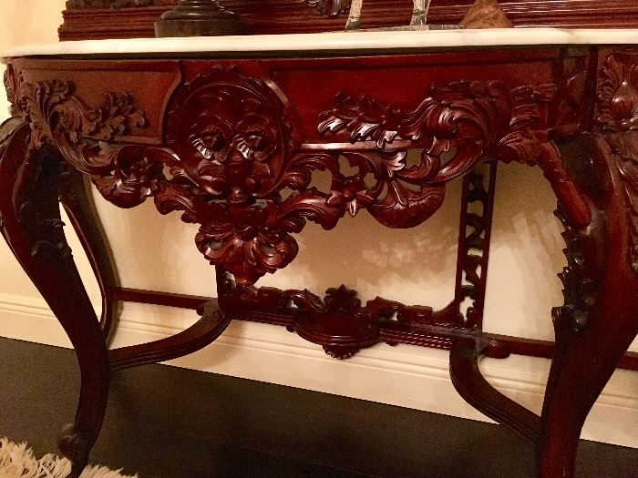 Rococo Table detail
