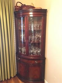 Beautiful vintage Drexel mahogany dining room including a pair of corner cabinets