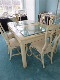 GLASS INSERT TOP DINING TABLE  / 8 QUEEN ANNE CHAIRS WITH HAND PAINTED ACCENTS				 UNION NATIONAL FURNITURE	(shone without leaf)