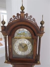 GRANDMOTHER CLOCK ROXBURY STYLE CASE WITH OPEN FRETWORK BONNET COLONIAL CLOCK COMPANY (DETAIL OF FACE)