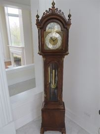 GRANDMOTHER CLOCK ROXBURY STYLE CASE WITH OPEN FRETWORK BONNET COLONIAL CLOCK COMPANY