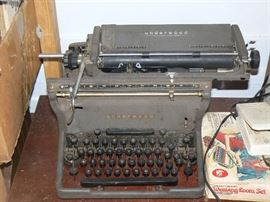 1940 Closed Frame Underwood Typewriter #2 stamped on the bottom frame.