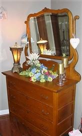 SWEET ANTIQUE OAK DRESSER