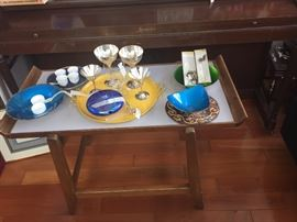 the Jens Risom serving table / cart has SOLD and the yellow serving tray has SOLD