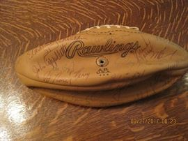 1979 Los Angeles Rams Starters Super Bowl Ball       See Item list for legible signatures