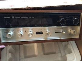 Sansui QS-8004 channel Amplifier