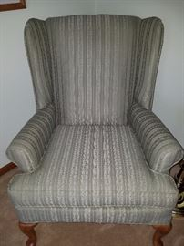 Excellent Condition Living Room Chair