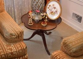 BUY IT NOW!  Lot #303, Small Mahogany Scalloped Piecrust Side Table, $40