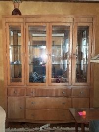Gorgeous china cabinet/curio cabinet