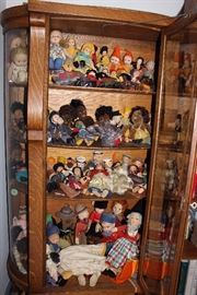 Norah Wellings doll collection