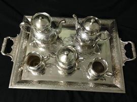 Another view of this lovely tea service!