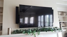 """LG 47"""" High Def 1080P LED Flat Screen TV"""