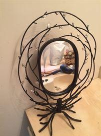 Unique mirror