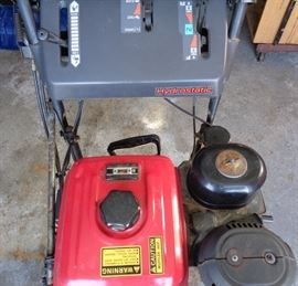 "Honda Hydrostatic Electric start Snowblower H5828 Low Hours. Runs great. 27"" plow"