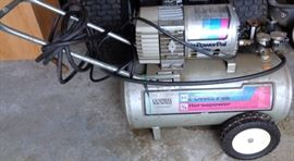 Campbell Hausfeld Power Pal Compressor 3/4 HP 7.5 Gallon 115Volt 10 amp  MT-5001