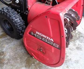 "Honda HS 828 Hydrostatic 27"" Snowblower. Electric Start"