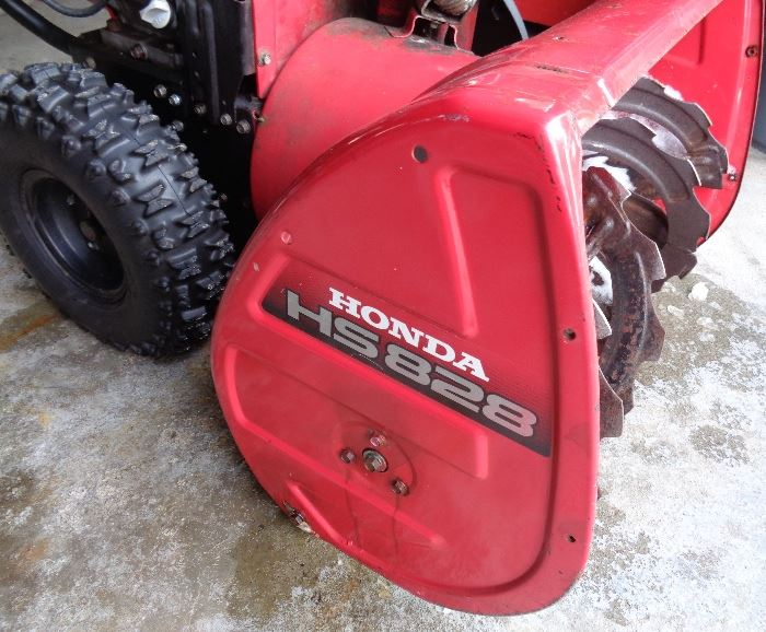 "Honda HS 828 Hydrostatic 27"" Snowblower. Electric Start"
