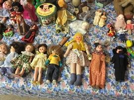 Puppets, cloth, porceline, wood, newer and old dolls.