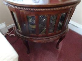 Beautiful Enclosed Showcase Table