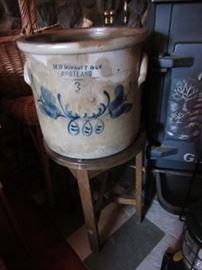 Cortland NY stoneware crock. M W Dunruff(?)