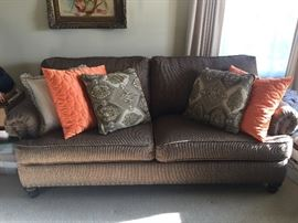 Toms Price brown/beige couch