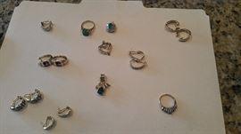 Lots of 18 karat 14 karat gold jewelry