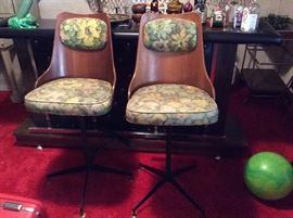 TRUE EAMES ERA PLYWOOD BAR STOOLS ON WROUGHT IRON BASES IN GREAT CONDITION
