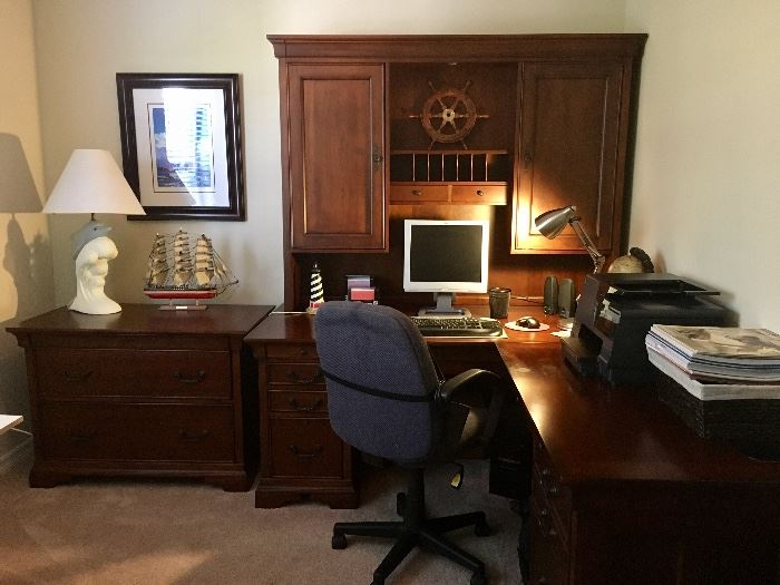 Haverty's Quality Cherry Executive Office Suite