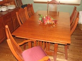 Cherry wood Amish dining table & 8 chairs (3 leaves)