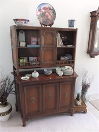 chest with upper shelves (2 piece)