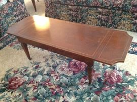 Drop Leaf Antique Coffee Table $ 80.00