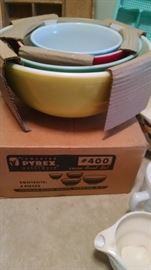**NEW OLD STOCK*** PYREX PRIMARY COLOR NESTING BOWL SET W/ ORIGINAL BOX...GREAT FIND !!!