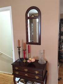 beautiful entryway set...mirror and table