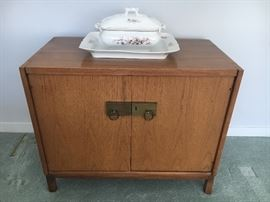 Matching sideboard with top to be pictured soon!