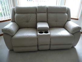 POWER DUAL LEATHER RECLINER LOVESEAT