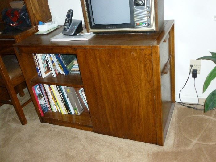 Part of the bedroom set..end opens for storage