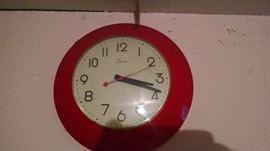 **RETRO** RED KITCHEN CLOCK